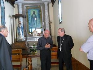 Il Vescovo e Fratel Cosimo in chiesa